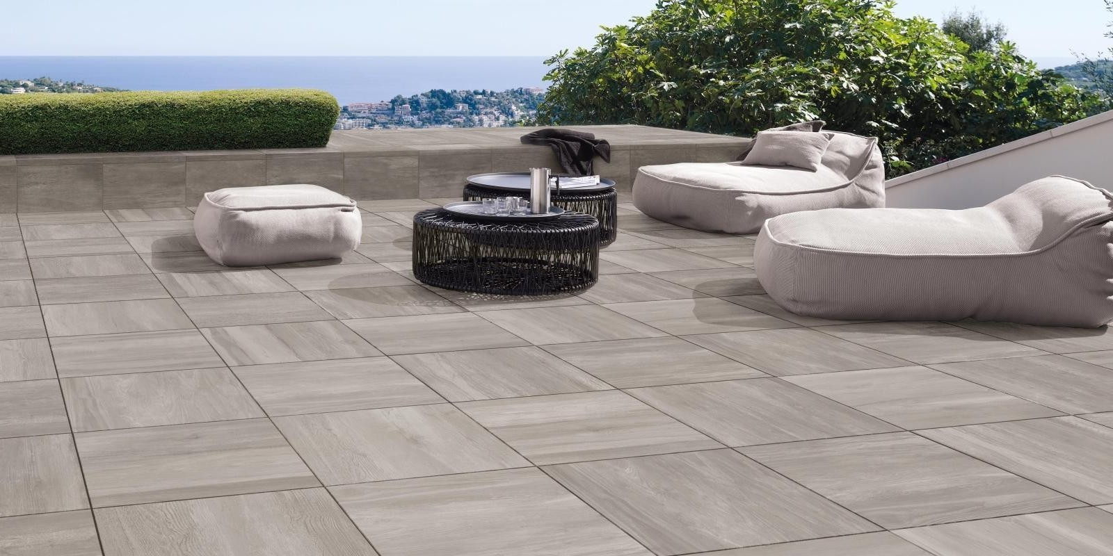 your-guide-to-outdoor-tiles.jpg