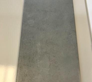 Extra Dark Grey (724)